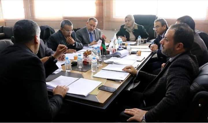 معالي وكيل وزارة التعليم لشؤون التعليم العالي تلتقي رؤساء الجامعات العامة لمناقشة ملاحظات قانون الجامعات الجديد .