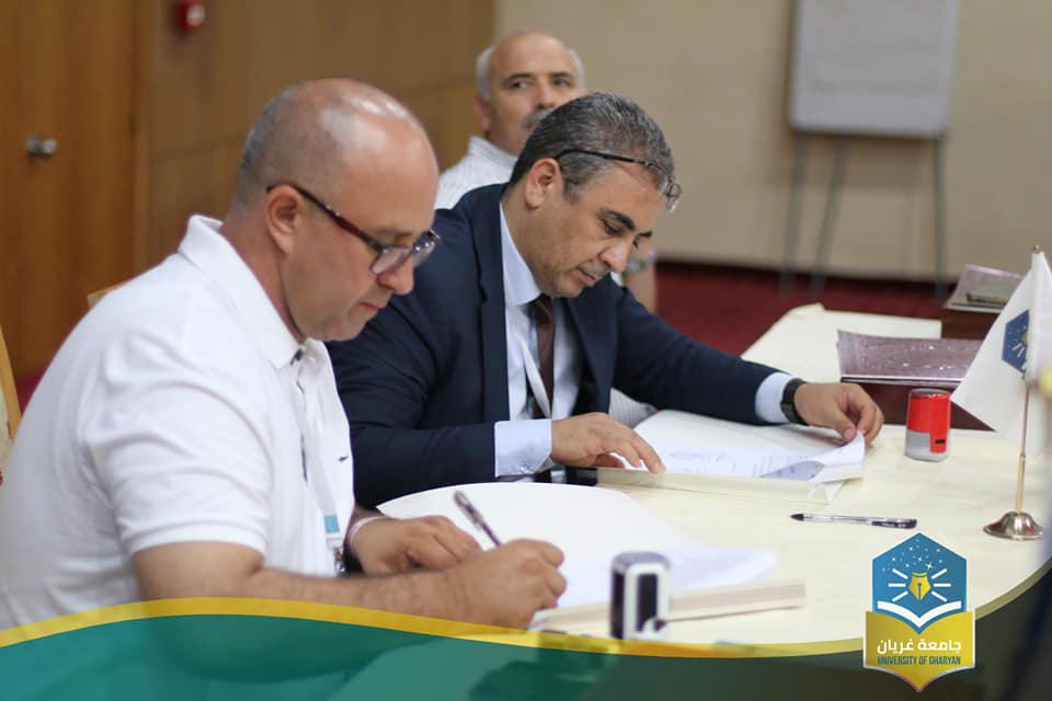 توقيع إطار إتفاقية للشراكة مع مركز المدار المعرفي للدراسات والأبحاث الذي مقره الجزائر
