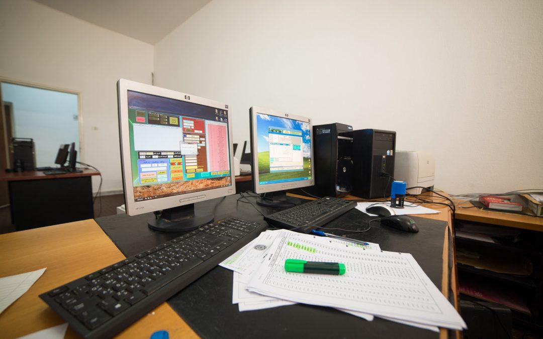 تركيب منظومة جديدة للدراسة والامتحانات باكلية المحاسبة